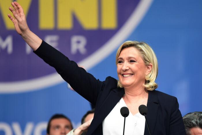 Marine Le Pen ganske vist taler om Frankrigs kristne rødder, men udpeger sekularistisk tænkning som et vigtigt greb til begrænsning af islam. Foto: Miguel Medina/AFP