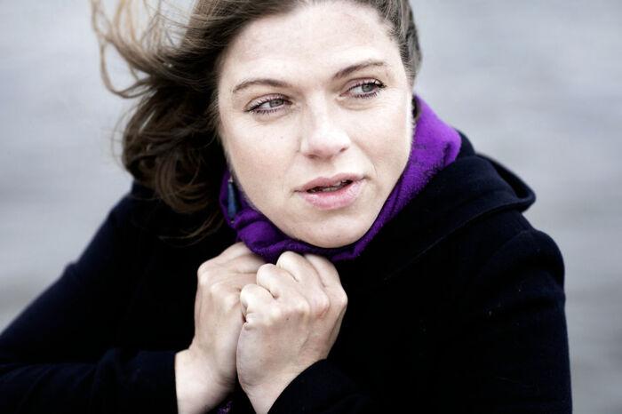 Stine Pilgaards nye bog ledsages af et musikalbum, hvor Katrine Muff Enevoldsen har sat bogens sange i musik. En af sangene er optaget i den kommende udgave af Højskolesangbogen. Foto: Tor Birk Trads