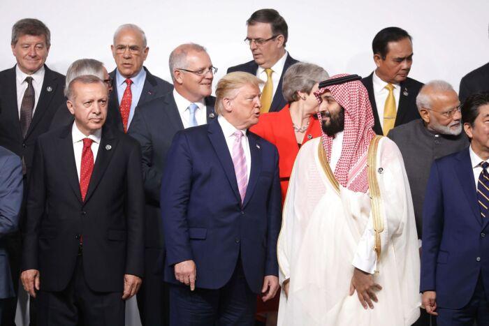 Mohammed bin Salman har modtaget international politisk beundring for sine progressive fremtidsplaner for Saudi-Arabien. Bl.a. præsident Trump har rost ham. Foto: Ritzau Scanpix.